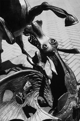 San Giorgio che uccide il drago nucleare-5