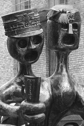 Monumento in ferro battuto ai caduti e dispersi delle due guerre mondiali-2