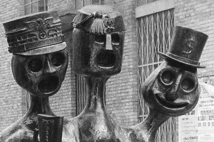 Monumento in ferro battuto ai caduti e dispersi delle due guerre mondiali-1