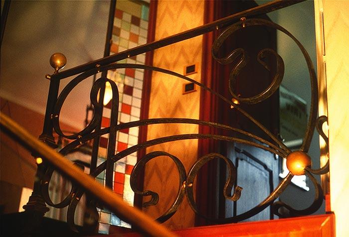 Scala interna in ferro e ottone-3