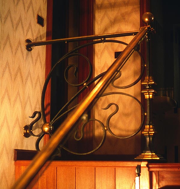 Scala interna in ferro e ottone-4