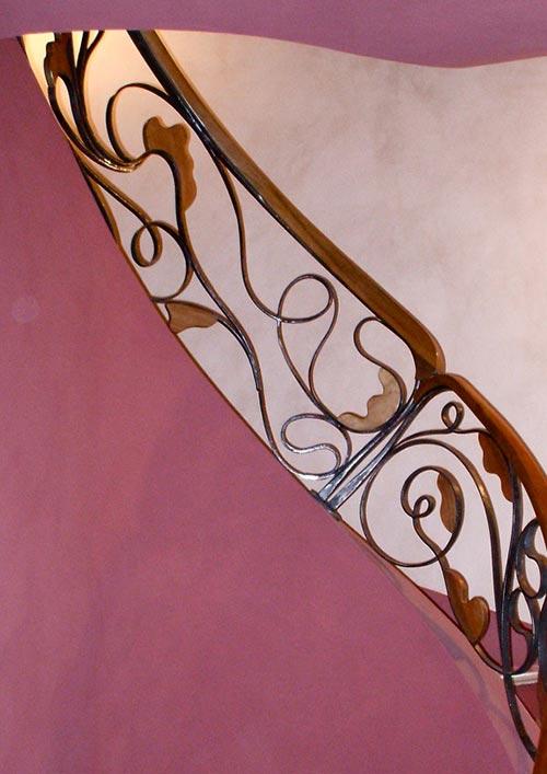 Scala in ferro battuto e legno-4