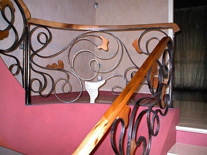 Scala in ferro battuto e legno-1