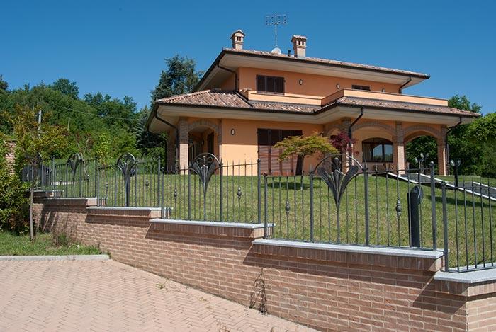 Cancello e cancellata Villa Alice-5