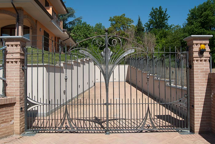 Cancello e cancellata Villa Alice-3