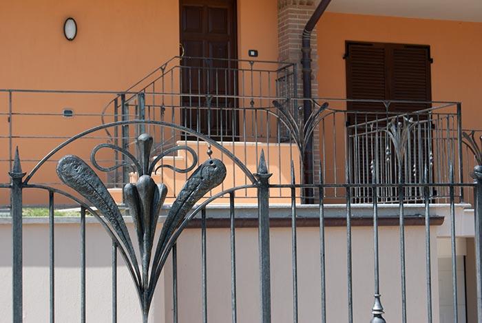 Cancello e cancellata Villa Alice-7