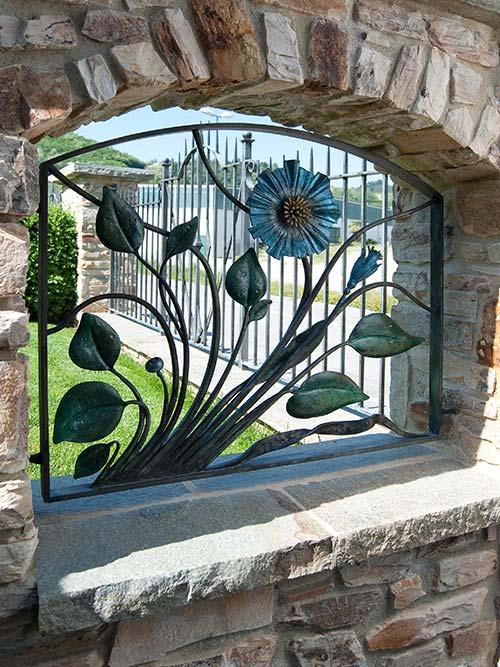 Inserti floreali per vani in muro esterno-1