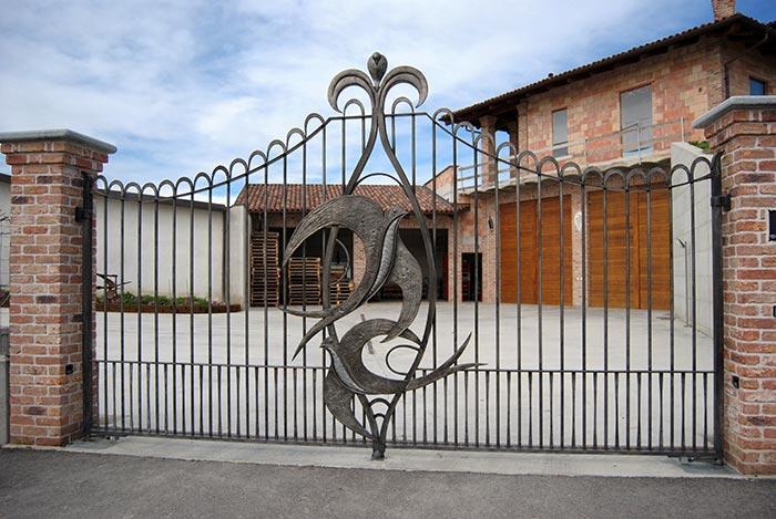 Cancello con rondini-7