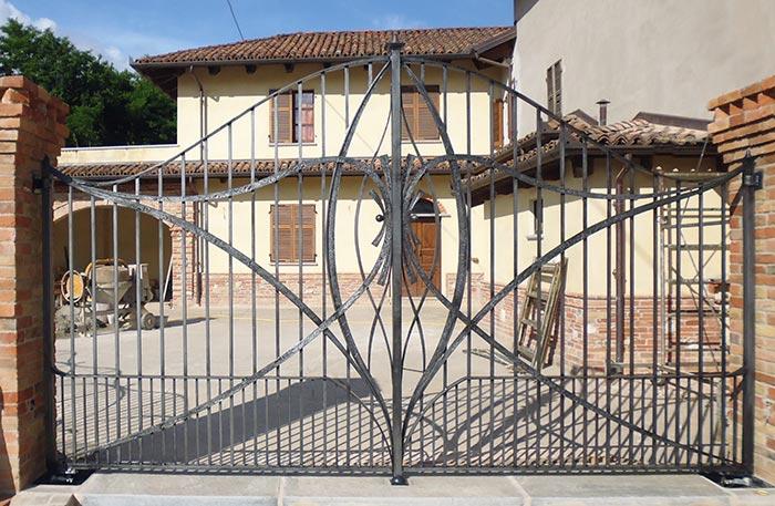 Cancello moderno forgiato-1