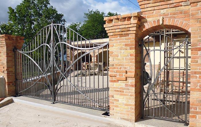 Cancello moderno forgiato-0